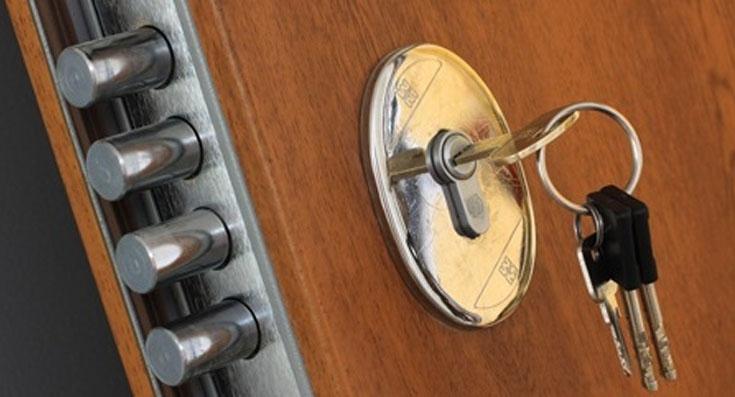 Centro chiavi grosso riparazione chiavi duplicazione for Serratura bloccata chiave non gira
